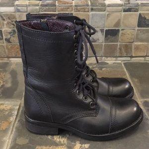 Steve Madden Boots Size 7.5W - Fits Reg Width Also